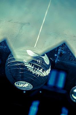 Hanging halloween lantern - p1228m1488256 by Benjamin Harte