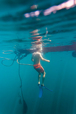 Man underwater - p300m1469753 by Konstantin Trubavin