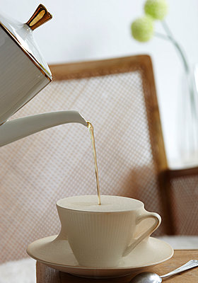 Coffee cups - p1227m1039987 by indra ohlemutz