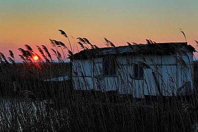 Fisherman hut - p8290157 by Régis Domergue