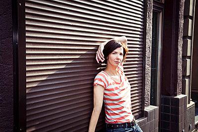 Lässig - p904m808047 von Stefanie Päffgen