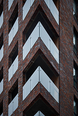 Brick building - p851m1528925 by Lohfink