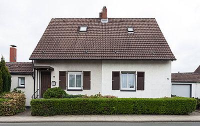"""Haus in der Arbeitersiedlung """"Dahlhauser Heide"""" in Bochum - p105m1025436 von André Schuster"""