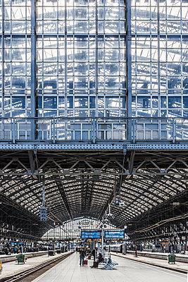 Hauptbahnhof Köln - p401m1590156 von Frank Baquet