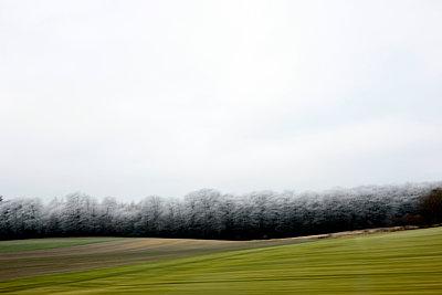 Blick aus dem Autofenster - p1258m1538791 von Peter Hamel