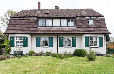"""Haus in der Arbeitersiedlung """"Dahlhauser Heide"""" in Bochum - p105m1025435 von André Schuster"""