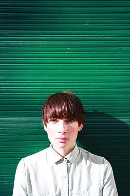 Portrait - p258m890763 von Katarzyna Sonnewend