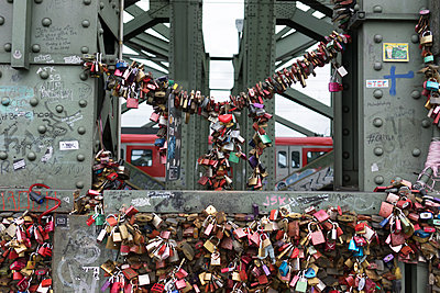 Love locks on bridge - p267m1467910 by Ingo Kukatz
