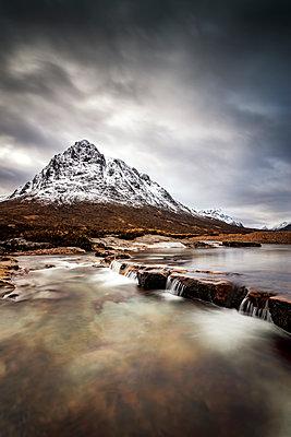 Scotland, Highlands, Buachaille Etive Mor Mountain - p300m1175581 by Scott Masterton