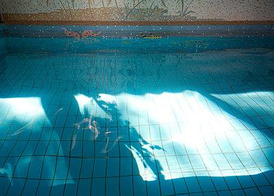 Hotelpool - p606m2008396 von Iris Friedrich
