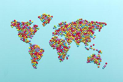 Die ganze Welt - p454m1120061 von Lubitz + Dorner