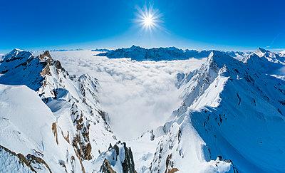 View from Feluma peak. Valgrisenche, Arvier, Valle d'Aosta, Italy. - p651m2032665 by Giacomo Meneghello