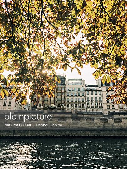 Paris - p988m2030930 von Rachel Rebibo