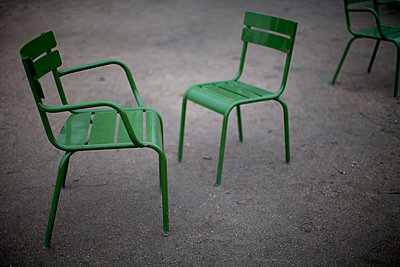 Chairs in a park,  Jardin des Tuileries - p1083m965780 by Alain Greloud