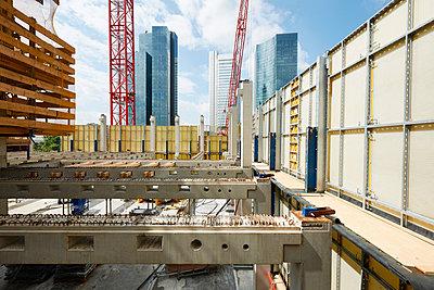 Building site, Frankfurt am Main - p1203m1028517 by Bernd Schumacher