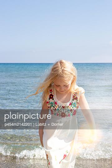 Warm sunshine - p454m2142201 by Lubitz + Dorner