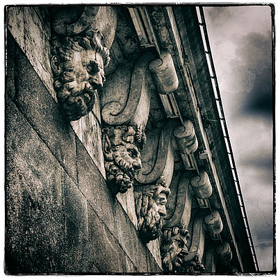 Pont Neuf Faces - p1154m1138591 by Tom Hogan