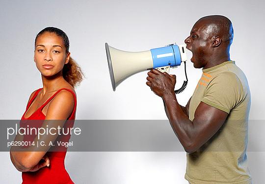 Paar mit Megafon - p6290014 von C. A. Vogel