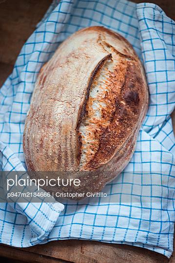 Fresh bread - p947m2184666 by Cristopher Civitillo