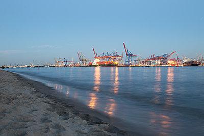 Containerhafen Elbstrand - p1222m1162574 von Jérome Gerull