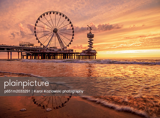 p651m2033291 von Karol Kozlowski photography