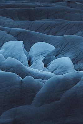 Details of a Glacier in Iceland - p1634m2210385 by Dani Guindo