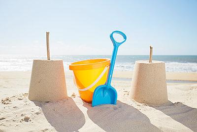 Strandspielzeug - p464m2026401 von Elektrons 08