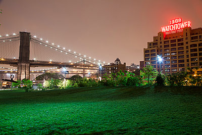 Watchtower and Brooklyn Bridge at night - p913m1113019 by LPF