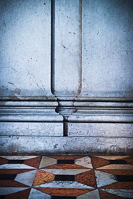Pilaster in Venedig - p1149m1333007 von Yvonne Röder