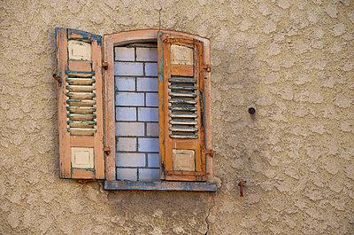 Walled window - p300m798356f by Markus Hermenau