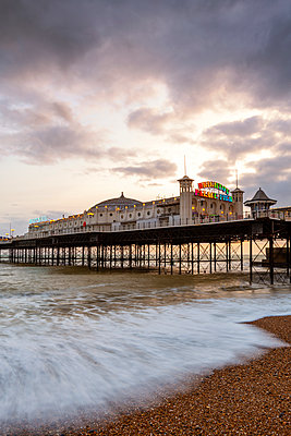 Palace pier, Brighton, East Sussex, England, UK - p651m2152294 by Andrea Comi