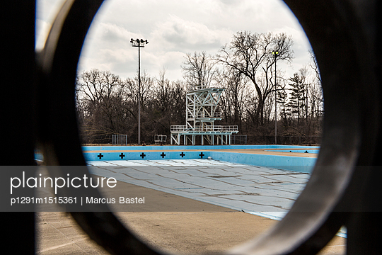 River Rouge Park Pool - p1291m1515361 by Marcus Bastel