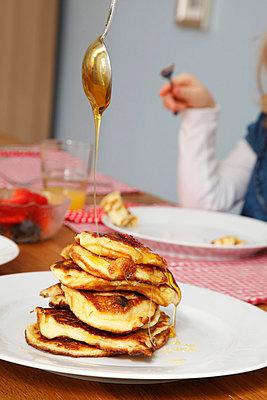 Pancakes - p249m852170 by Ute Mans