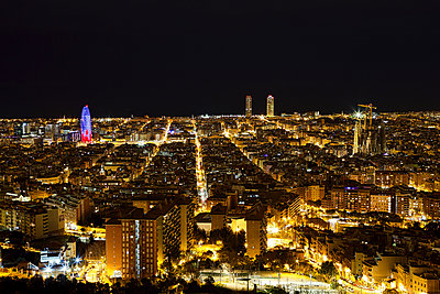 Barcelona at night - p1399m1442180 by Daniel Hischer