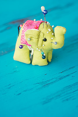 Elephant shaped pincushion with pins  - p794m2021976 by Mohamad Itani