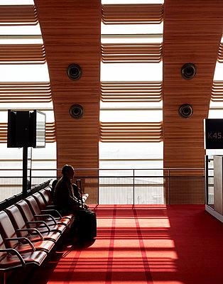 Airport Flughafen Paris Charles de Gaulle - p1397m2054563 by David Prince