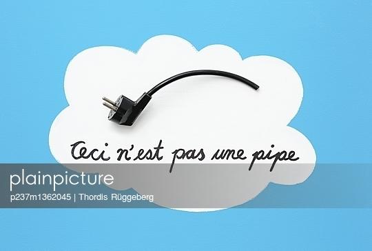Ceci n´est pas une pipe - p237m1362045 von Thordis Rüggeberg