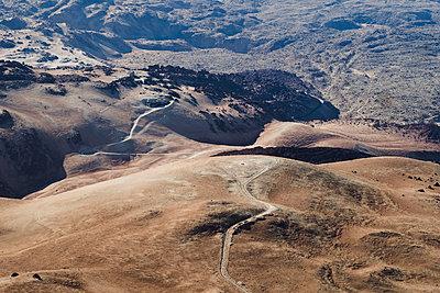 Aerial view of volcanic landscape, Mount Teide - p1166m2124365 by Cavan Images