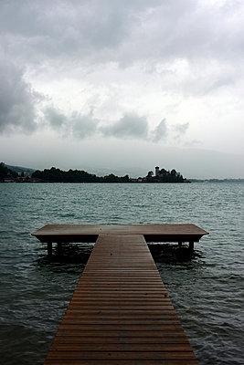 Bathing lake - p1105m949285 by Virginie Plauchut