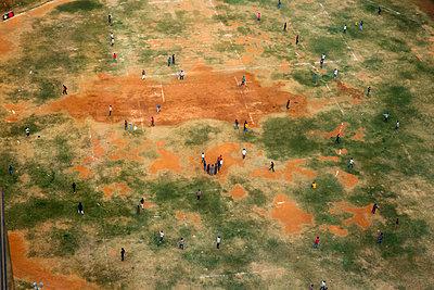 Baseballfeld in Indien - p1271m2055348 von Maurice Kohl