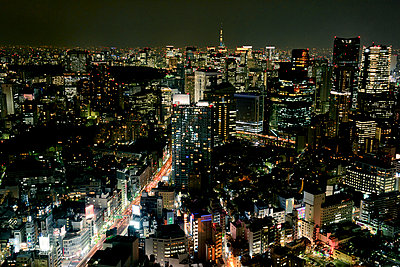 Downtown at night, Tokyo, Japan - p312m894933f by Johner