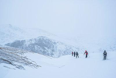Ski touring at CairnGorm Mountain Ski Resort, Aviemore, Cairngorms National Park, Scotland, United Kingdom, Europe - p871m1499844 by Matthew Williams-Ellis