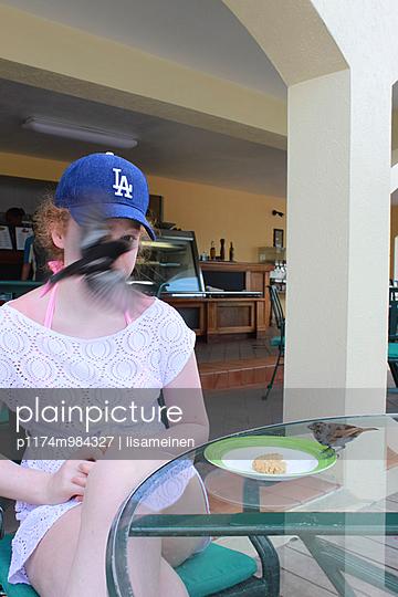 Vogel im Gesicht - p1174m984327 von lisameinen