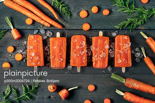 Carrot ice popsicles - p300m2004724 von Retales Botijero