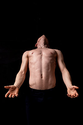 Tänzer im Dunkeln - p1609m2183989 von Katrin Wolfmeier