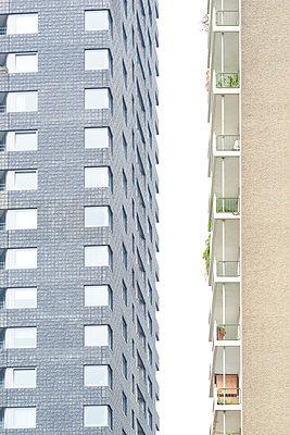 Two housing blocks side by side - p587m1155088 by Spitta + Hellwig