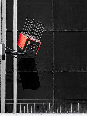 Überwachungskamera - p1280m1477449 von Dave Wall