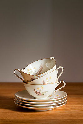Tea time - p781m1000183 by Angela Franke