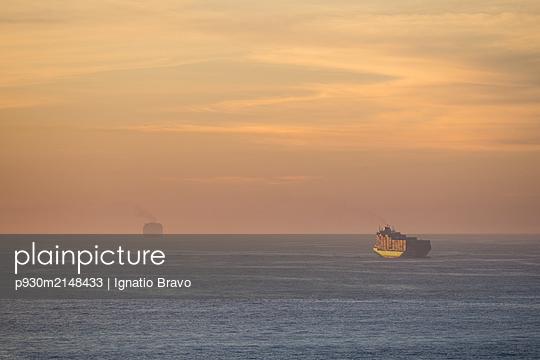 Container ship - p930m2148433 by Ignatio Bravo