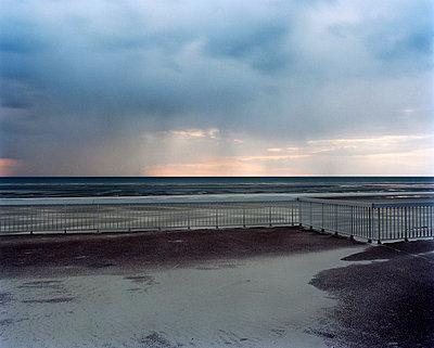 Beach at dusk - p2686919 by G. Mieth